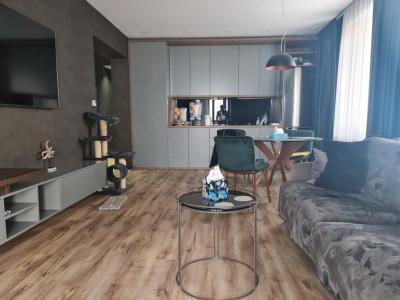 Faleza Nord - Apartament deosebit mobilat, utilat cu vedere frontala la mare